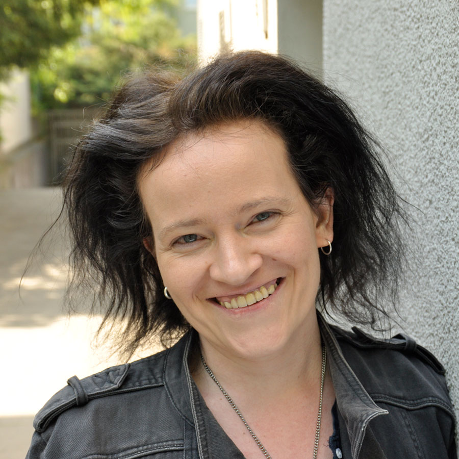 Britta Kretschmer, Online-Redakteurin und Autorin